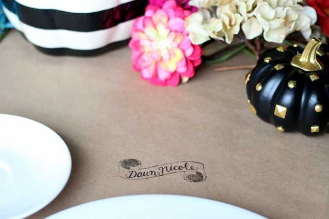 Silhouette Mint Stamped Scroll Place Settings 1