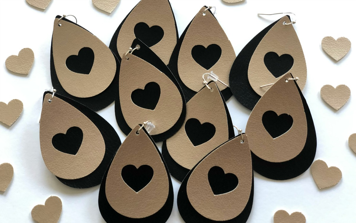 Featured Image for Leatherette Heart Earrings (#121223)