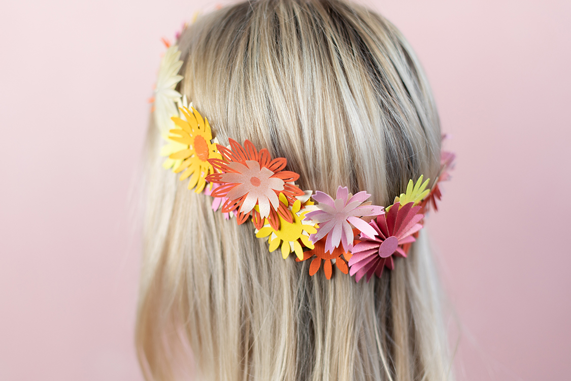 Featured Image for Paper Daisy Flower Crowns (#122497)