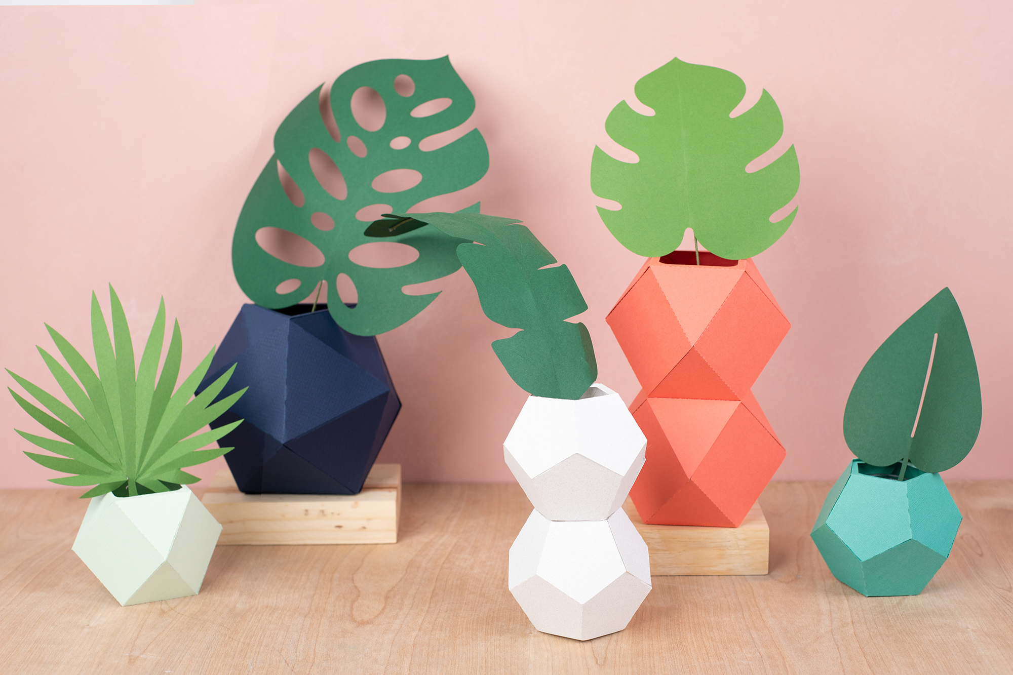 Featured Image for Geometric Paper Vases (#124617)