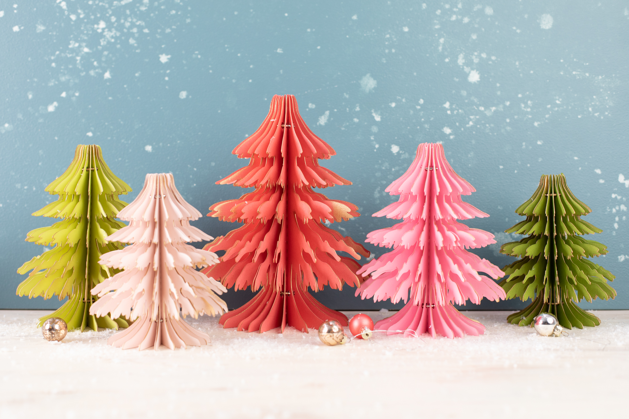Featured Image for Gilded Paper Christmas Trees (#125898)