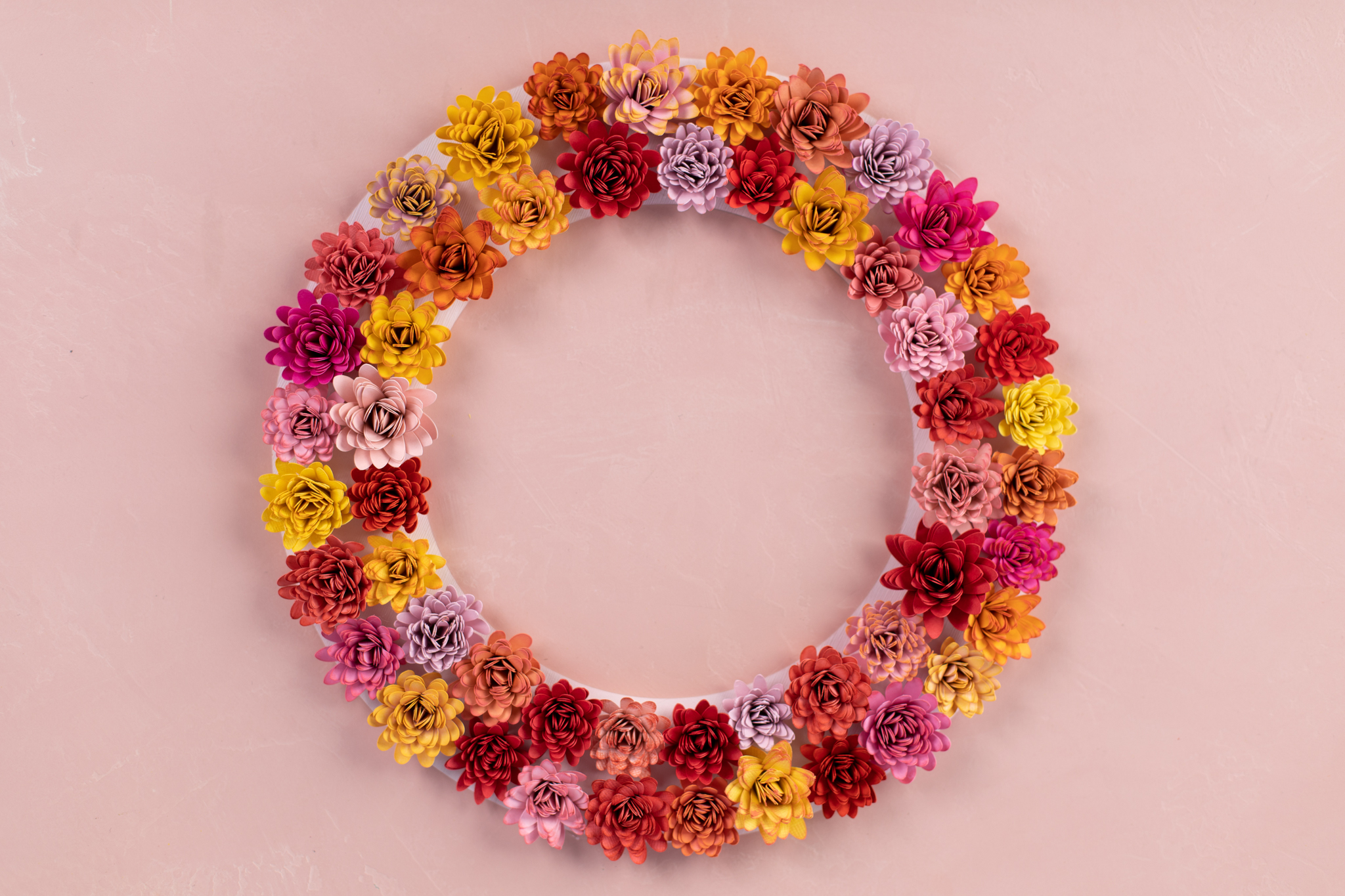 Featured Image for Paper Strawflower Wreath (#126908)
